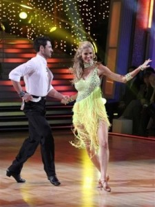 resized_Erin_Andrews_on_Dancing_with_the_Stars